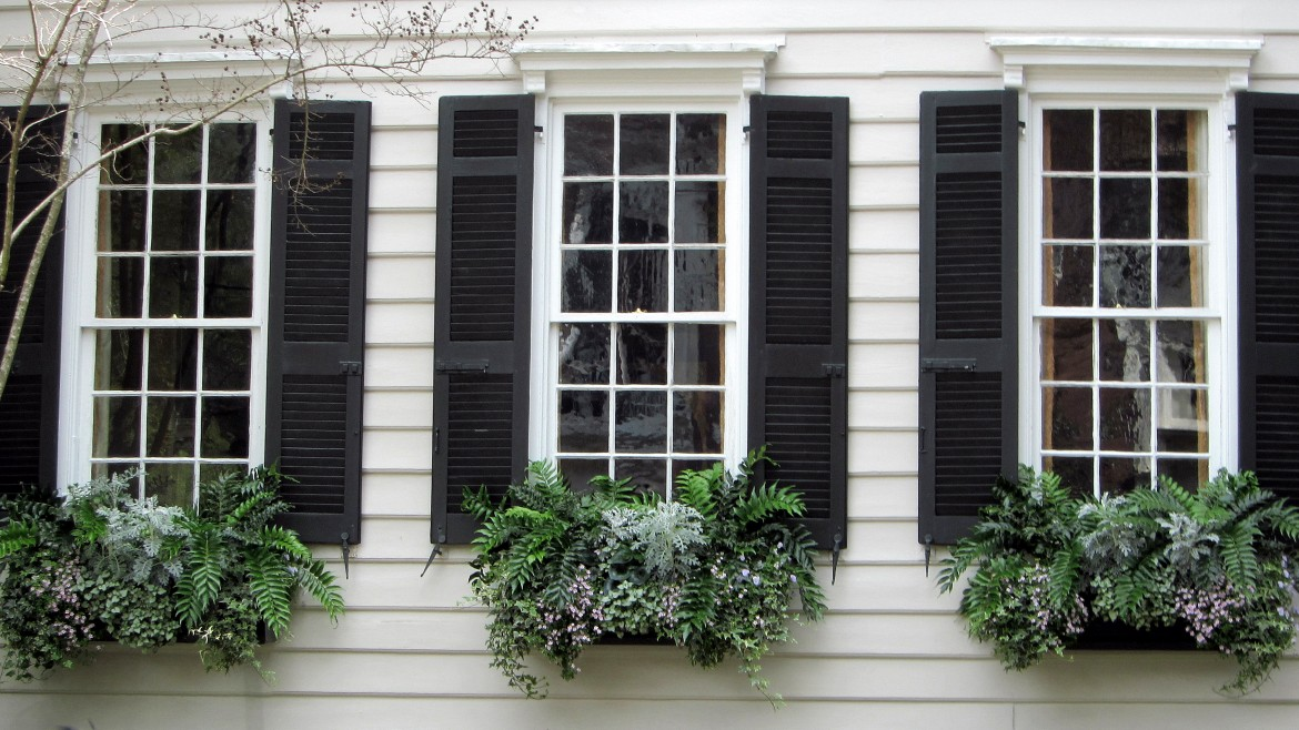 4 Reasons to Shop Local for Nashville Area Window Shutters
