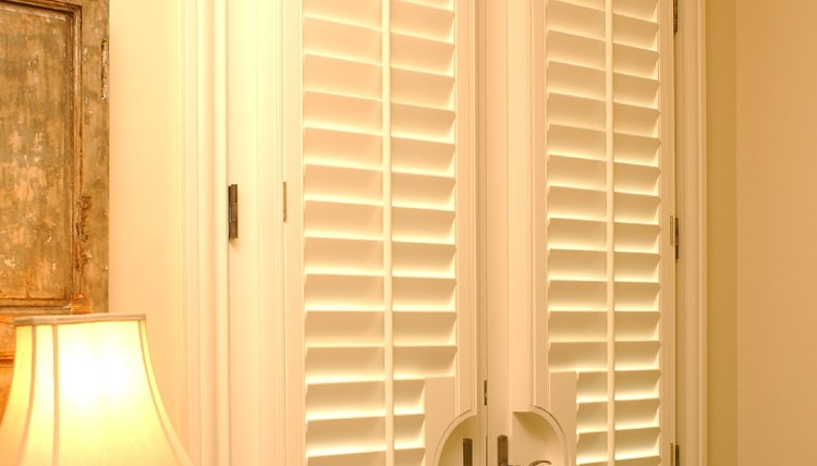 Window Blinds or Plantation Shutters For Your Nashville Area Home?