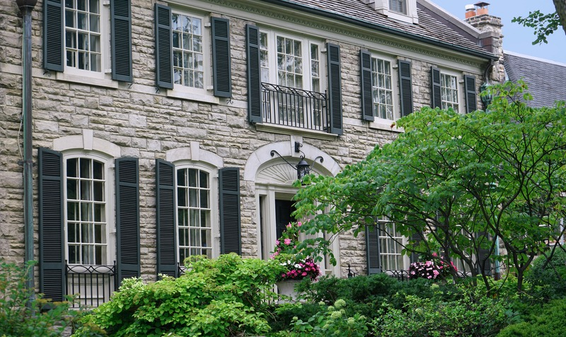 4 Reasons to Update an Old Home with New Wood Shutters